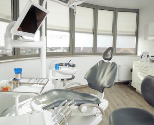 Behandlungsraum – Praxis Dr. Moeser